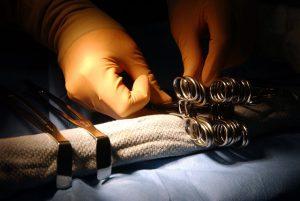 ניתוחים פלסטיים: מה קורה כשהטיפול משתבש?